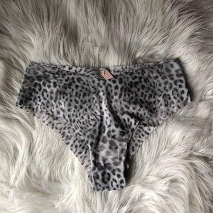 Victoria's Secret gray leopard 🐆 cheeky